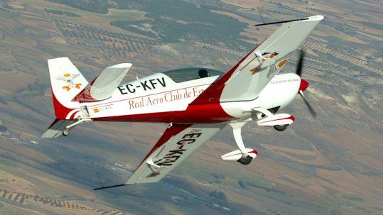 Prueba avión extra-200 con Carlos Bravo
